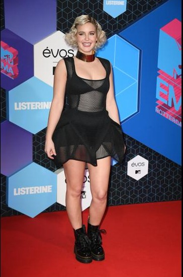 Anne Marie at the EMA Awards. - SeenIt