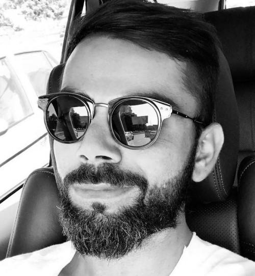 1a25652920 Black sunglasses similar to what Virat Kohli is wearing! Please 🙏🏻🙏🏻🙏