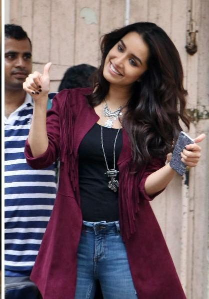 Shraddha Kapoor doing casual chic right in this maroon shrug for Rock on2 promotions - SeenIt