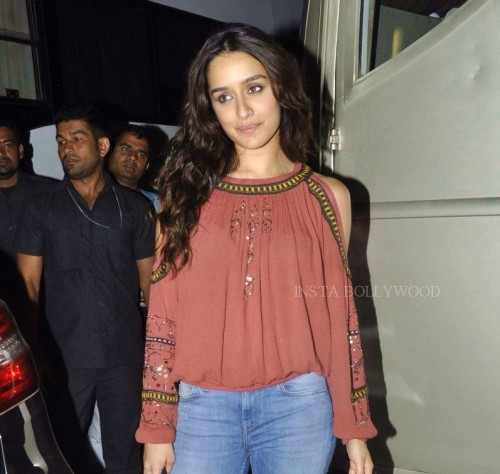 want a similar cold shoulder frilled top just like shradha kapoor wore - SeenIt