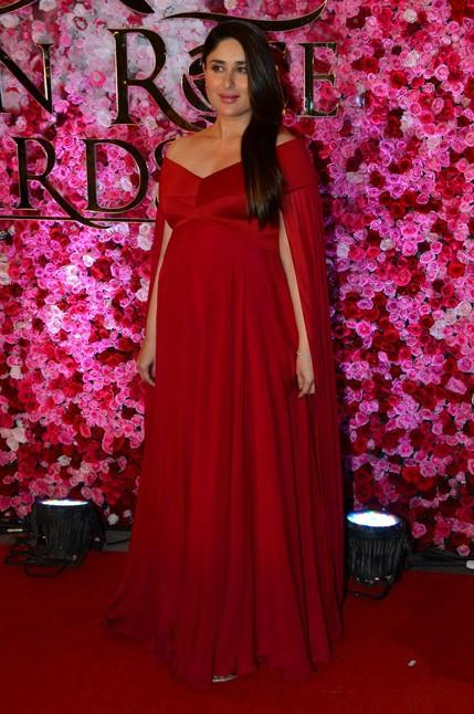 Kareena Kapoor in Gauri and Nainika at Lux Golden Rose Awards 2016. - SeenIt
