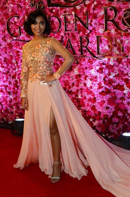Sayani Gupta at Lux Golden Rose Awards 2016. - SeenIt
