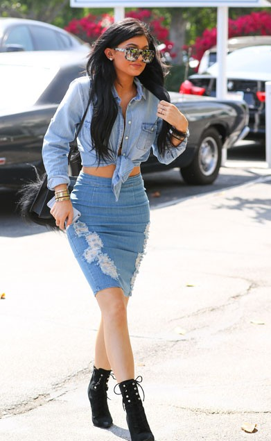 Want the ripped denim skirt and blue denim shirt that Kylie Jenner is wearing - SeenIt