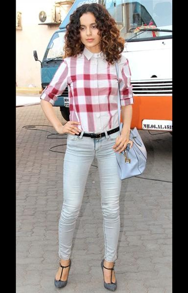 Kangana Ranaut's checkered top, blue jeans and handbag.. Love her style! - SeenIt