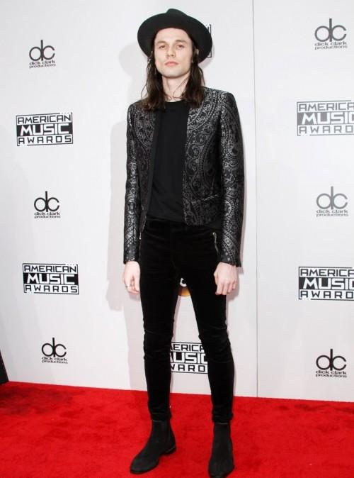 James Bay at the American Music Awards 2016. - SeenIt