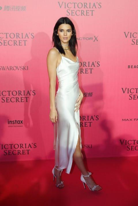 Kendall Jenner stunned in a Camilla and Marc dress at the Victoria's Secret After Party. - SeenIt