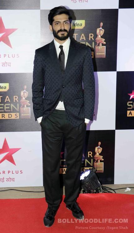 Neat and hansome, Harshvardhan Kapoor at the Star Screen Awards 2016. - SeenIt