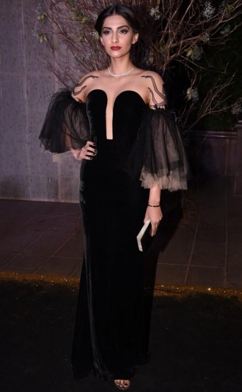Glamour Queen Sonam Kapoor in a black  gown by Yanina Couture at Manish's B'day Bash. - SeenIt