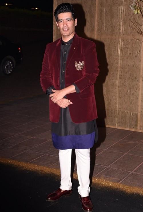 Manish Malhotra enjoying his day wearing this ethnic attire. - SeenIt