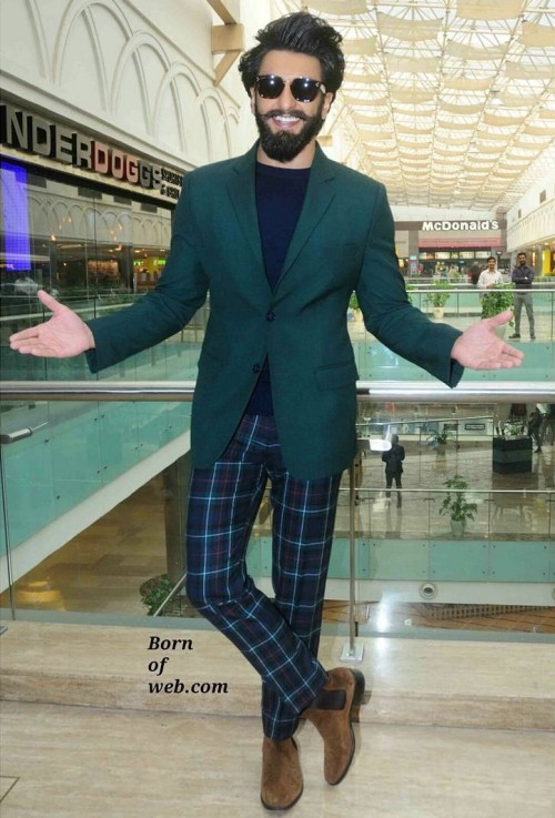 Ranveer Singh in yet another out of the box fashion choice! - SeenIt