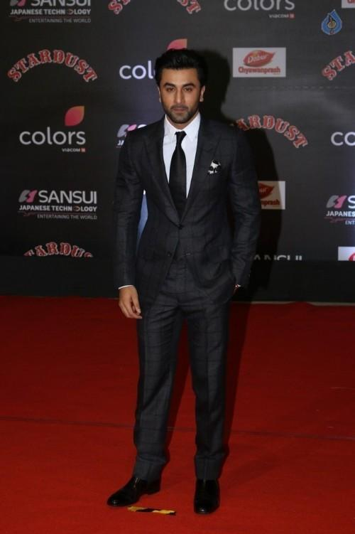 Ranbir Kapoor in a black checked suit at the Stardust Awards 2016. - SeenIt