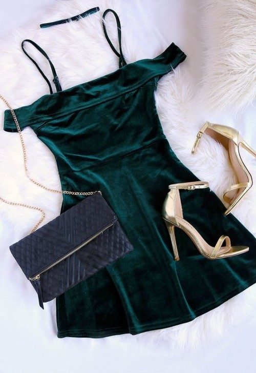 Such a perfect outfit for the festive season! looking for the off shoulder velvet green  dress! TIA - SeenIt