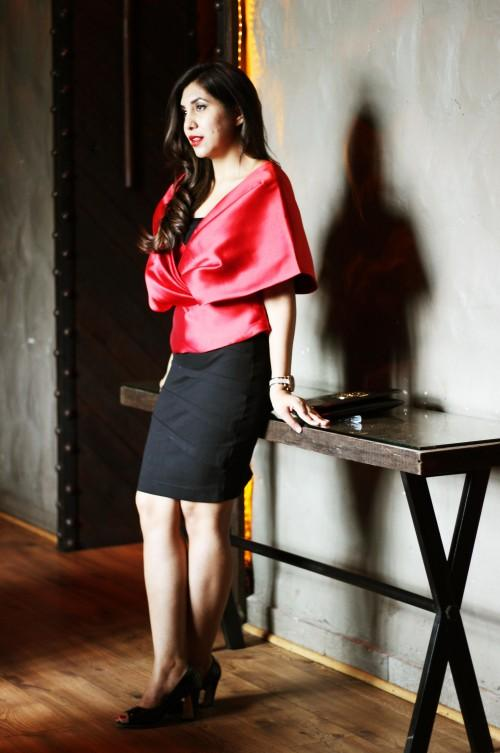 Looking for this gorgeous red top.. Same style.. Tia - SeenIt