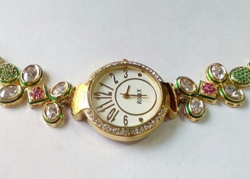 Looking for kundan watches for women.. Can you help me find something similar to this? - SeenIt