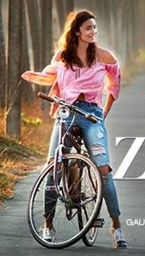 Get me this blue distressed jeans worn by Alia Bhatt in the movie Dear Zindagi :) - SeenIt