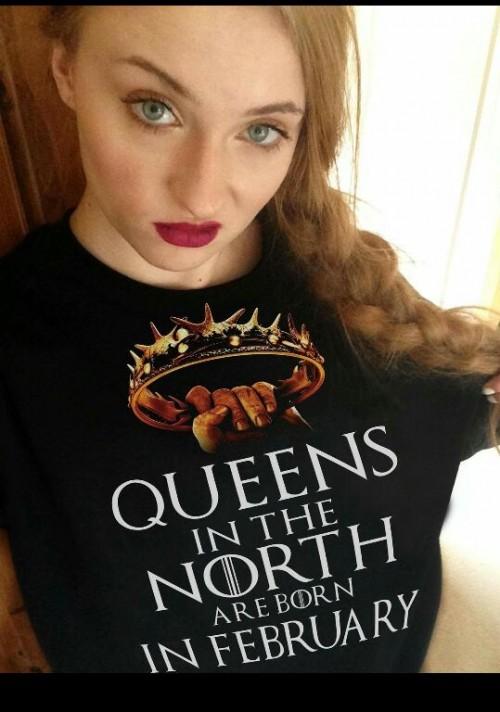 Want that Sophie Turner's black GOT T shirt...ASAP - SeenIt