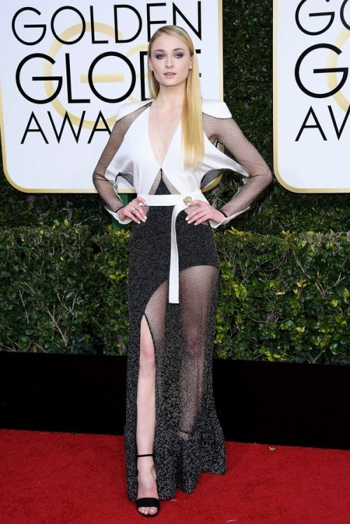 GOT star Sophie Turner in a monochrome Louis Vuitton gown at the Golden Globe Awards 2017. - SeenIt