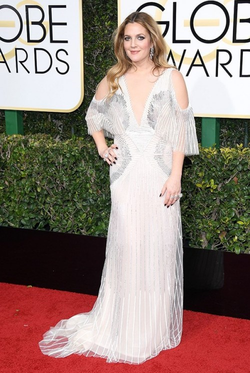 Drew Berrymore in a white embellished gown at the Golden Globe Awards 2017. - SeenIt