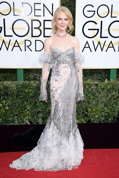 Nicole Kidman in an embellished Alexander McQueen gown at the Golden Globe Awards 2017. - SeenIt