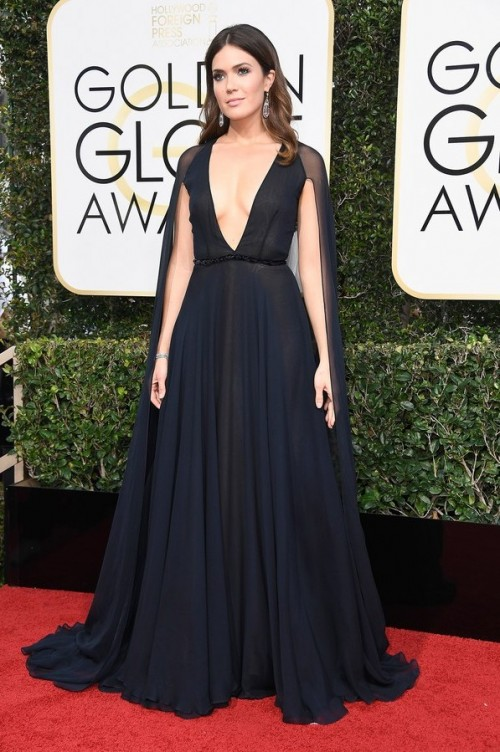 Mandy Moore in Naeem Khan black cape style gown at the Golden Globe Awards 2017. - SeenIt