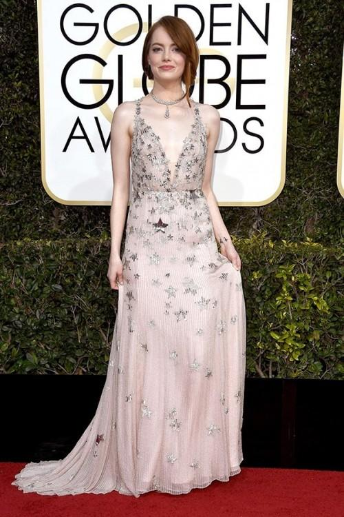 Emma Stone looking pretty in Valentino embellished gown at the Golden Globe Awards 2017. - SeenIt