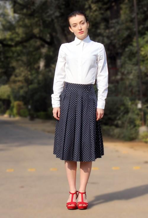 Love this navy polka dot pleated midi skirt and white shirt!! Classic combination - SeenIt