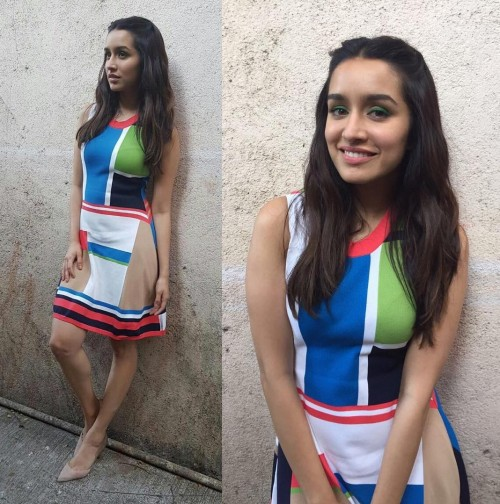 Shraddha's colour block dress  <3 And also the nude pumps :) - SeenIt