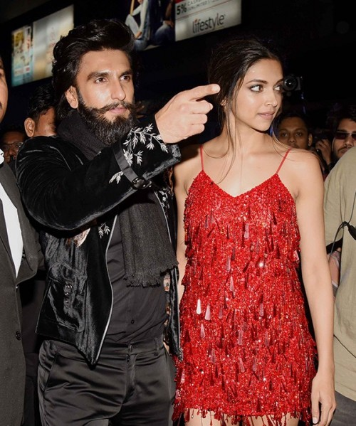 All eyes wr on Deepika  & Ranveer. as they made a STUNNING entry at xXx after party ❤️🖤💑 - SeenIt