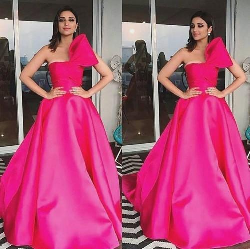 Parineeti Chopra in Mark Bumgarner hot pink tube gown at the Filmfare Awards 2017. - SeenIt
