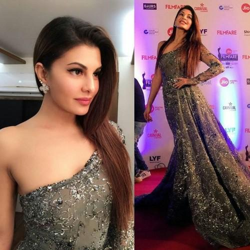 Dazzling beauty Jacqueline attended the Filmfare Awards in Ali Younes grey embellished gown. - SeenIt