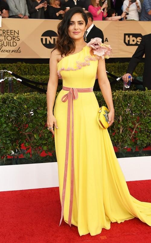 Salma Hayek stuns in Gucci yellow one shouldered gown at the SAG Awards 2017. - SeenIt