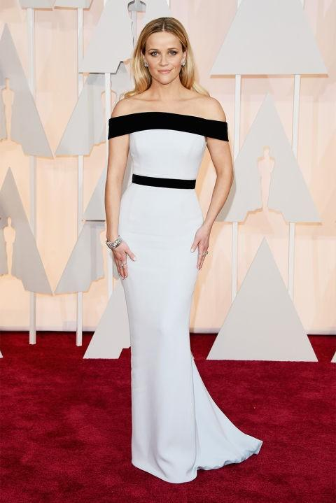 Reese Witherspoon in Tom Ford monochrome off shoulder gown at the Oscars 2015. - SeenIt