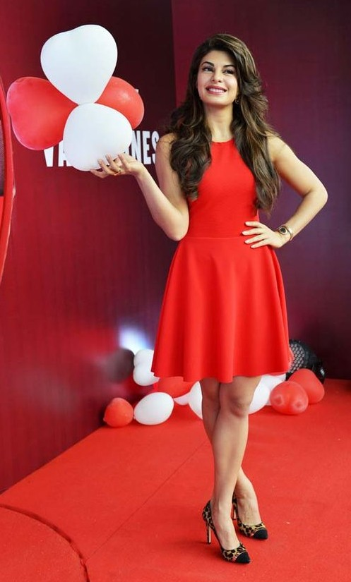 Jacqueline's outfit is perfectfor the Valentine's Day - SeenIt