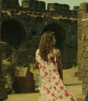 Similar to alia bhatt's shrug from the movie dear zindagi - SeenIt