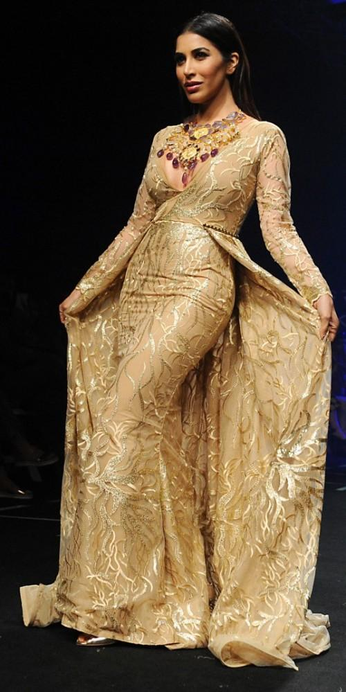 Yay or Nay? Sophie Chaudhry as a showstopper for Abha Chaudhry at the Lakme Fashion Week - SeenIt
