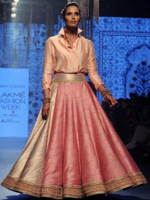 Yay or Nay? Padma Lakhsmi walked the ramp in a gorgeous ensemble by Tarun Tahiliani at the Lakme Fashion Week - SeenIt