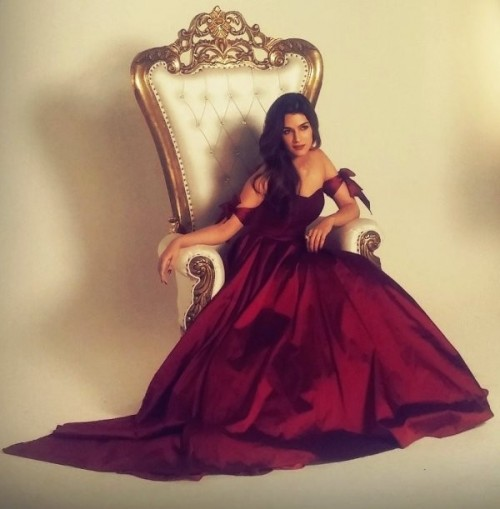 What do you think of Kriti Sanon's plum dress that she wore in a photoshoot? - SeenIt