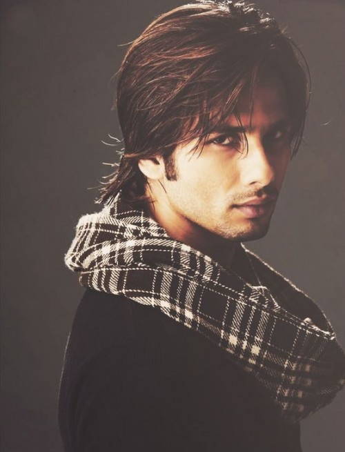 Looking for a similar black and white checked scarf like that of Shahid Kapoor's. - SeenIt