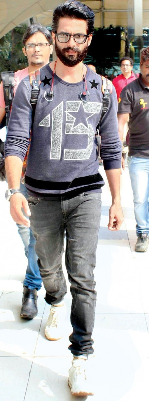 Your thoughts on Shahid Kapoor's casual look..purple sweater and grey jeans along with white sneakers? - SeenIt