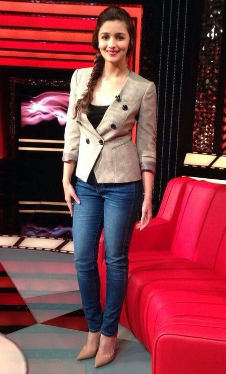 Want similar to these jeans that alia Bhatt is wearing - SeenIt