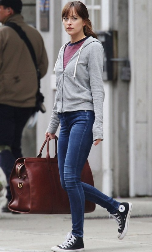 want this outfit , the grey zipper with blue skinny jeans that dakota is wearing - SeenIt
