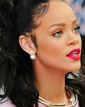 Want a similar double sided pearl earrings that Rihanna is wearing - SeenIt