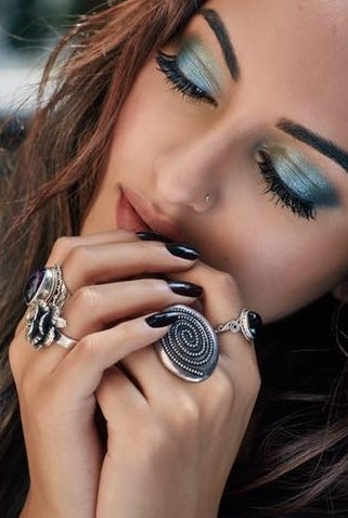 Want the black stone ring that Sonakshi Sinha is wearing - SeenIt