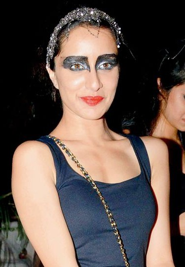 Yay or Nay? The eye makeup that Shraddha Kapoor is wearing. - SeenIt