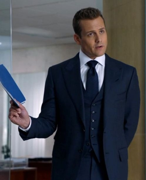 need a similar three piece suit like harvey is wearing - SeenIt