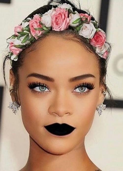 Yay or Nay? Rihanna's goth makeup. - SeenIt