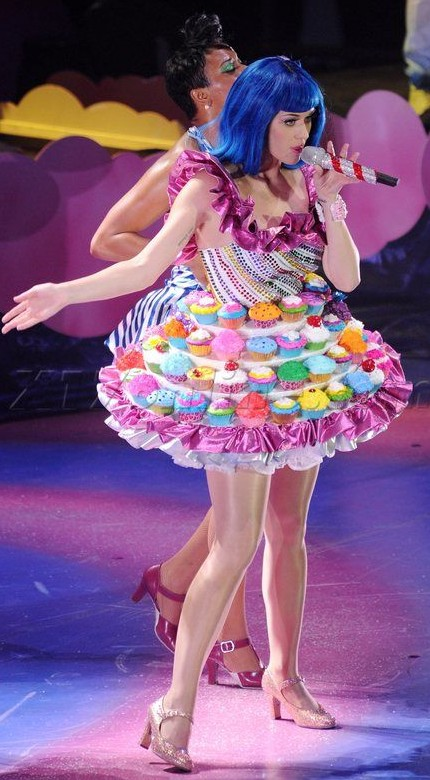 Yay or Nay? Katy Perry in a cupcake dress with blue hair. - SeenIt