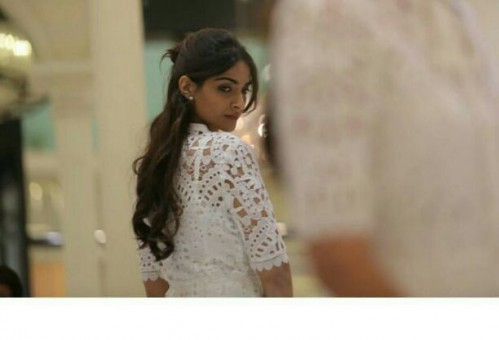 Want Sonam Kapoor's  lace white top - SeenIt