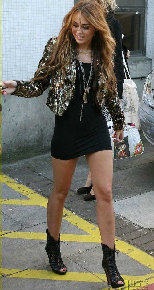 Want something similar to the black mini dress, gold sequin dress, black boots and layered necklace that Miley Cyrus is wearing .INDIAN LINKS PREFERABLE. - SeenIt