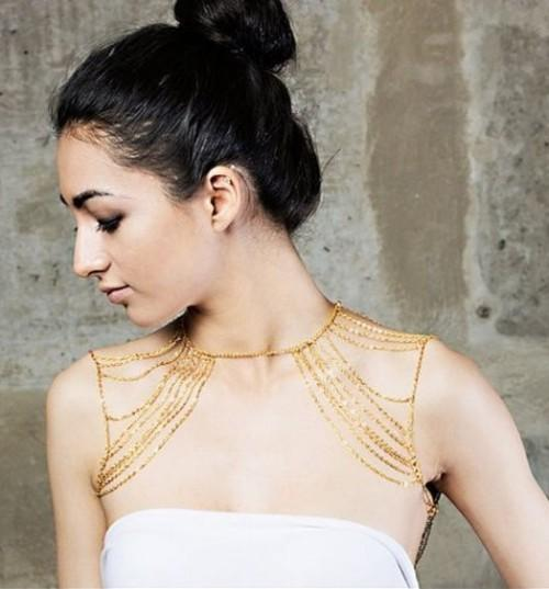 Need this golden shoulder chain to pair it with my tube top. Any idea where to find it? - SeenIt